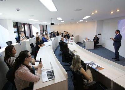 Empresas deben innovar y animar a su personal