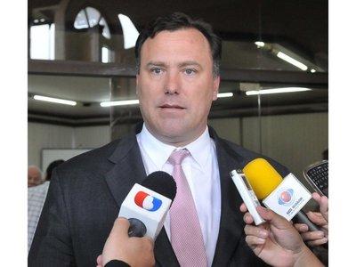 En dos meses Fiscalía Anticorrupción beneficia  a 4 políticos investigados