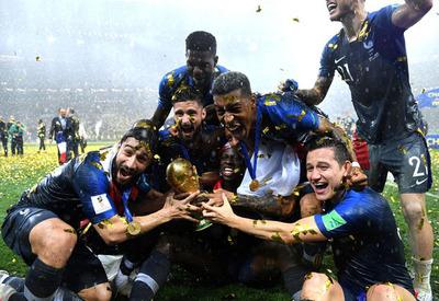 Francia es campeón del mundo 20 años después