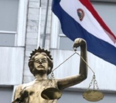 Detienen a actuario judicial por supuesto pedido de coima