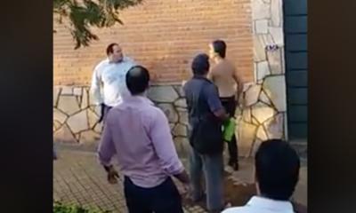HOY / VIDEO| Conductor rompió vidrio de bus y peleó a golpes con el chofer