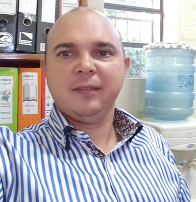 Presidente de AEDE zacariista critica a esposa de Vaesken por donaciones