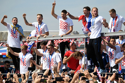Croatas recibidos como héroes