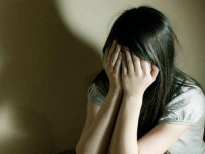 Cuestionan prisión domiciliaria para hombre que habría abusado de su hija