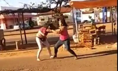 VIDEO: Casilleras vecinas se trenzaron a golpes en Concepción