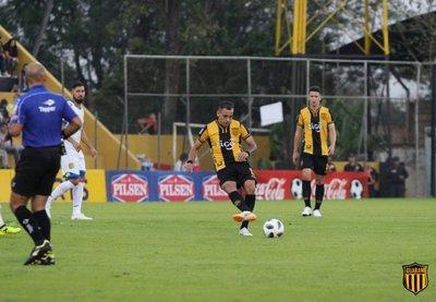 Guaraní vence su debut con penal