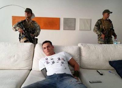 Cae en Asunción uno de los capos del PCC: vivía en un lujoso departamento propiedad del futbolista Roberto Nani