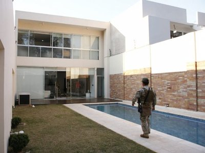 Líder del PCC alquilaba casa de ex futbolista en Asunción