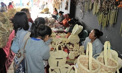 HOY / Artesanas indígenas venden sus productos vía 'online'