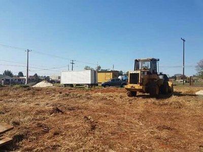 Firman contrato para inicio de obras asfáltica Campo 9