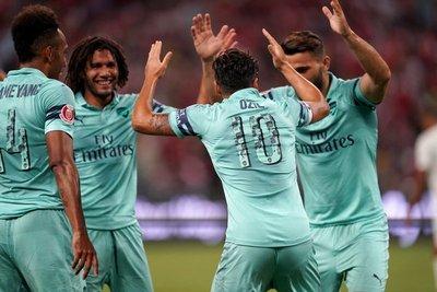 Arsenal goleó al PSG