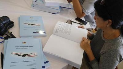 Familiares chinos del MH370 rechazan el informe malasio sobre la desaparición