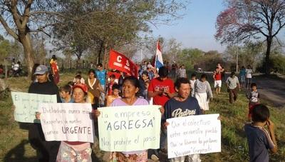 Pobladores de Calería Guyrati se levantan contra empresa que prohíbe paso
