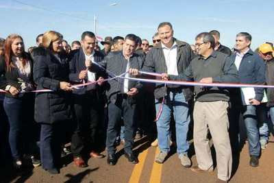 Inauguran ruta en Vaquería que une tres departamentos