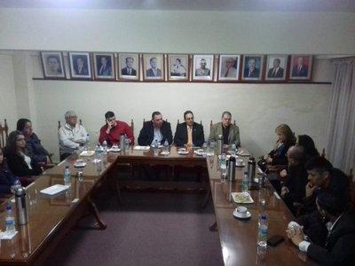 Senadores cartistas cuestionan liberación de campesinos