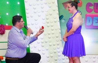 Pedido De Matrimonio Entre Participantes De Cuestión De Peso