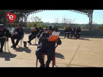 POLICÍAS CON DUROS EXÁMENES: PRUEBAS FÍSICAS Y ESCRITAS PARA OBTENER EL ASCENSO
