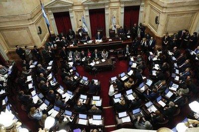 Tras largo debate, Senado argentino rechazó la legalización del aborto