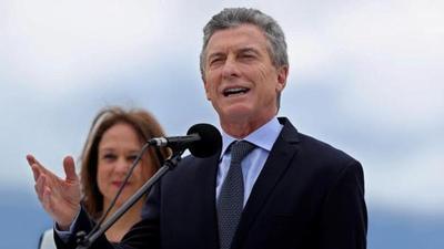 """Macri afirma que debate sobre aborto va a """"continuar"""" tras rechazo de Senado"""
