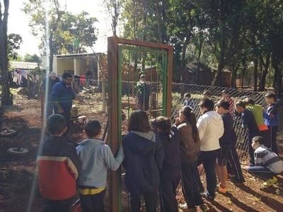 Niños hernandarienses aprenden labranza en Proyecto Huerta Escolar