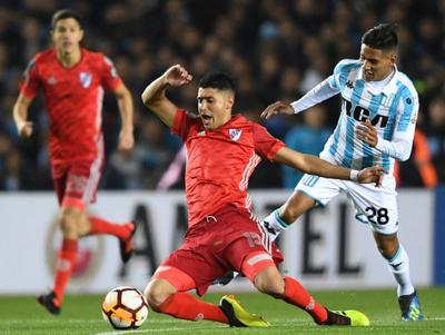River Plate pellizcó un empate del Cilindro