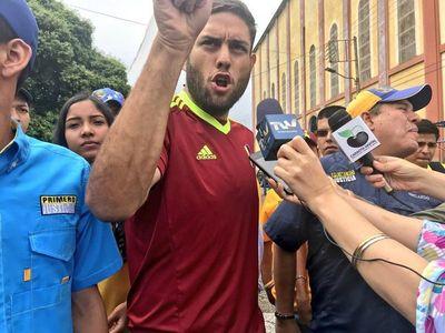 """Diputado preso por """"atentado"""" contra Maduro conversó con su familia"""