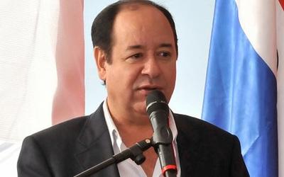 """""""Desprolijidades"""" de Cuevas en la Gobernación de Paraguarí"""