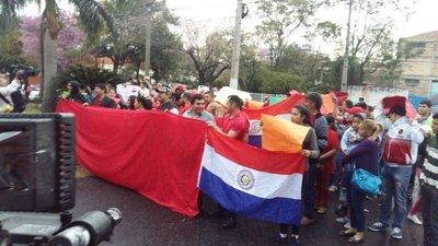 Video : Manifestación frente a Marito Róga