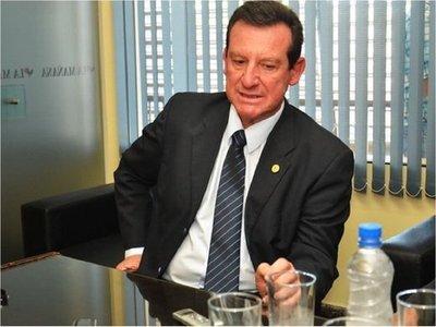 Piden investigar a gobernador de Ñeembucú por malversación de fondos