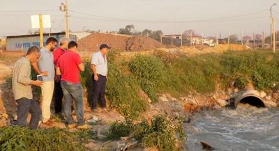 Fiscalizan empresas en zona del Mburicaó