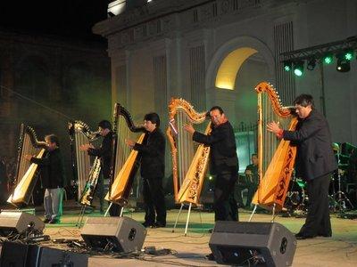 Serenatas a Asunción no se suspenden por lluvia