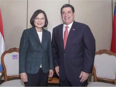 Cartes y presidenta de Taiwán subrayan voluntad de cooperación