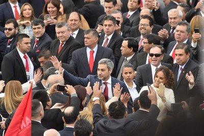 Abdo juró como Presidente