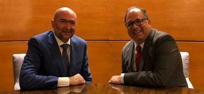 Enviado de Trump se reunió en Asunción con el de OEA para hablar sobre seguridad
