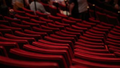 El negocio detrás de escena: panorama del teatro nacional