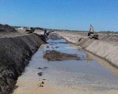 MOPC recibirá propuestas para ampliación y profundización del canal de aguas del Pilcomayo
