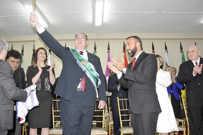 González Vaesken promete gobernar con total transparencia y honestidad