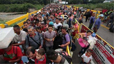 Ante ola migratoria Ecuador impone pasaporte a venezolanos