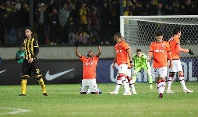 Atlético Paranaense elimina al Peñarol y se cita en octavos con Caracas