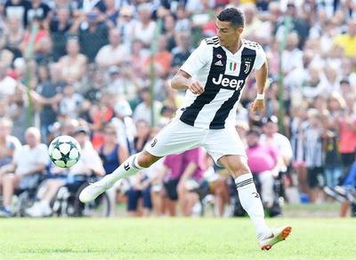 Cristiano debuta como titular en el Juventus con Cuadrado, Costa y Dybala