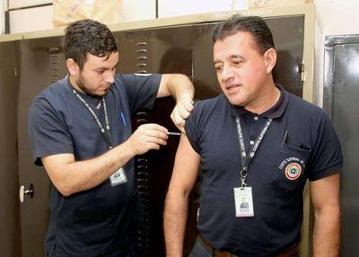 Llevan a cabo jornada de vacunación contra la influenza