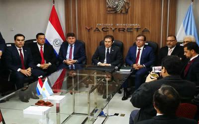Nicanor pide patriotismo a nuevos consejeros de la EBY