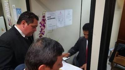 HOY / Jueces, fiscales y abogados  juntan 39.700 firmas para  pedir reforma constitucional