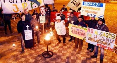 Obispos se manifiestan por rechazo de ley de pensiones