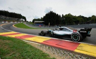 Pole para Hamilton en Bélgica