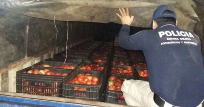 Requisan 20 toneladas de tomate contrabandeado