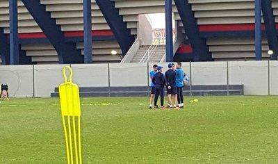 La charla de Jubero con tres referentes de Cerro Porteño