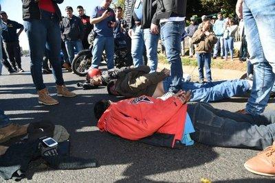 Frustran violento asalto a una farmacia y detienen a autores