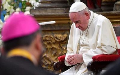 Papa Francisco aceptó la renuncia de otros dos obispos chilenos