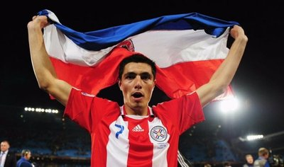 Óscar Cardozo es llamado en reemplazo de Lucas Barrios